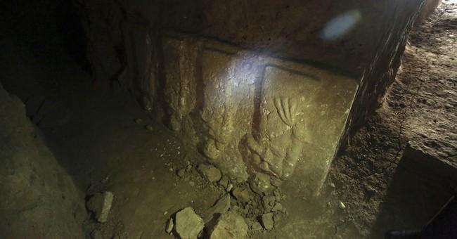 Ancient palace revealed under destroyed Mosul shrine
