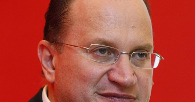 HSBC names outsider for chairman, taps AIA boss for job