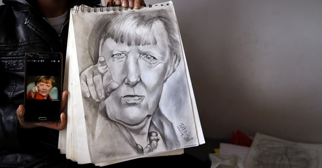 'Little Picasso' draws admiration in squalid Serbian camp