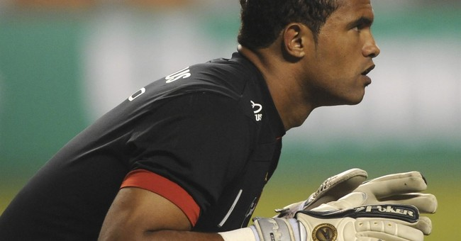 Brazil club signs goalkeeper convicted in girlfriend's death