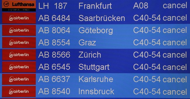 Berlin airport ground staff strike for 2nd consecutive day