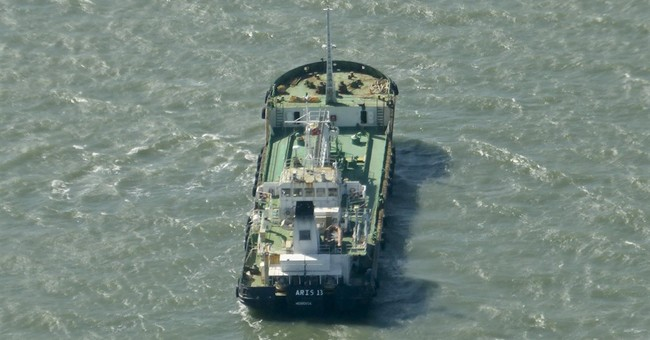 Somali pirates release oil tanker and crew, officials say