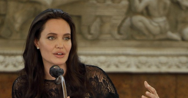 Angelina Jolie to teach course at London School of Economics