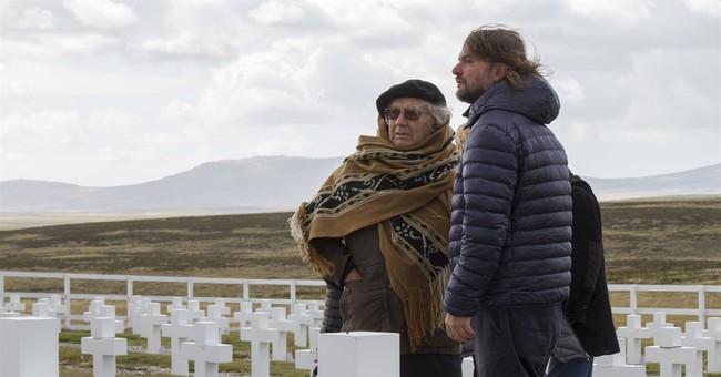 Argentine peace laureate visits Falklands ahead of troop ID