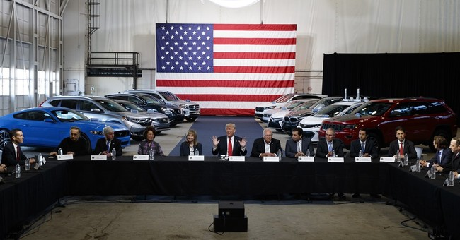 Trump fuel economy move sets up fight with Calif., NY