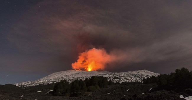 10 injured by volcanic explosion on Italy's Mount Etna