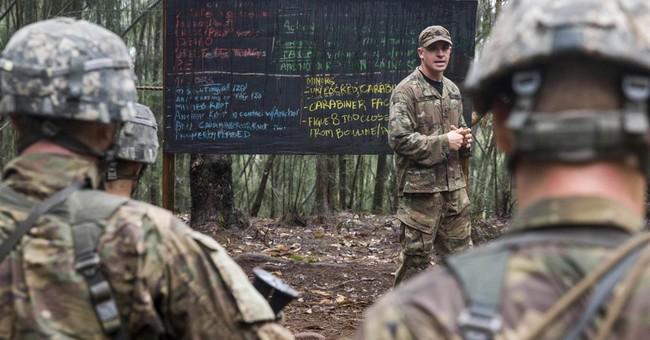 US soldiers train for jungle warfare in Hawaii rainforest