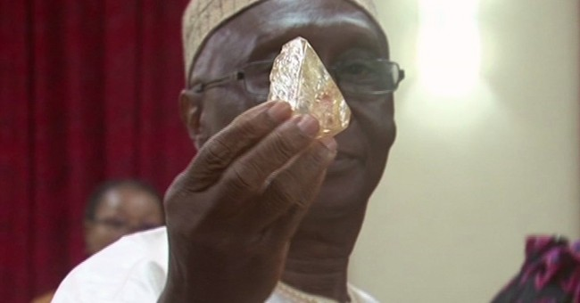 Sierra Leone pastor discovers 706-carat diamond in village