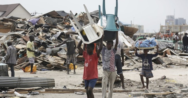 Nigerian forces using gunfire to clear Lagos slum: Reports