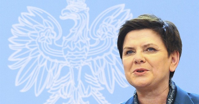 Polish opposition wants parliament vote against government