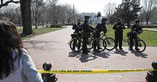 Spicer: Secret Service stops attempted White House intrusion
