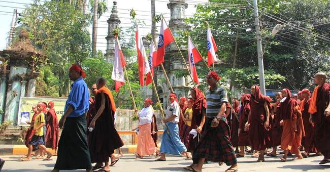 Myanmar hard-line Buddhists protest citizenship for Rohingya