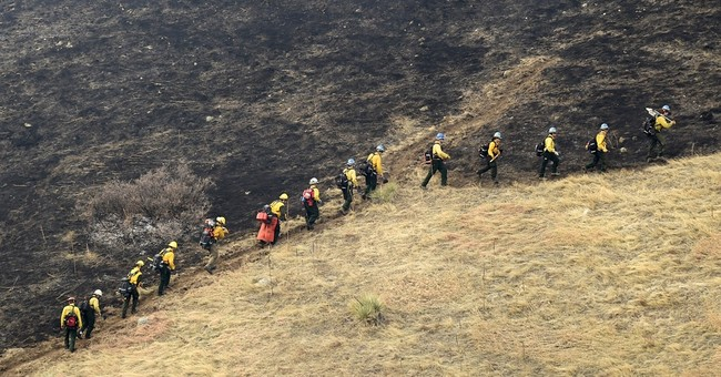 Fire evacuees allowed back near Colorado college town