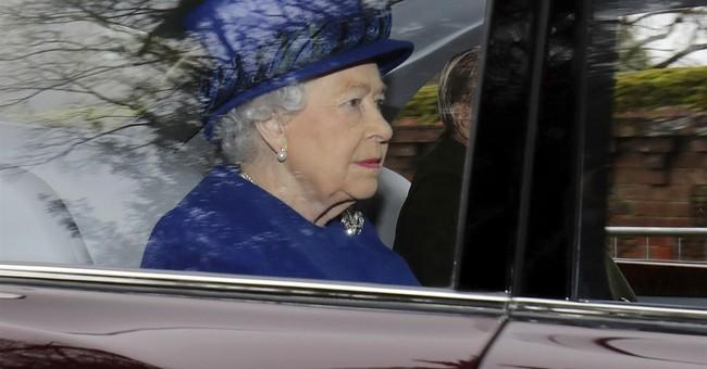 Queen Elizabeth II attends church after missing 2 weeks