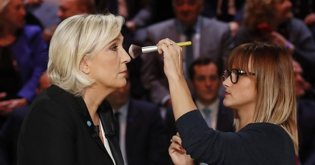 Potential French first lady holds American-style campaign