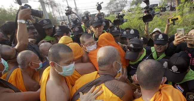 AP Explains: What's behind conflict at sprawling Thai temple