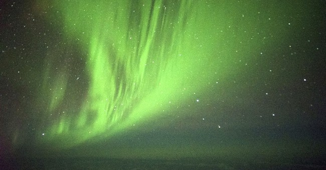 A round-trip flight just for the view _ the Southern Lights