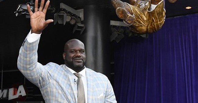 Lakers honor Shaq with high-flying statue outside arena