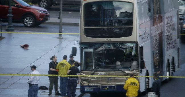 Police: 'No apparent reason' for shooting on Vegas Strip bus