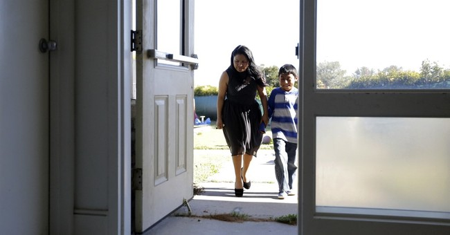 Immigrants find sanctuary in growing Austin church network