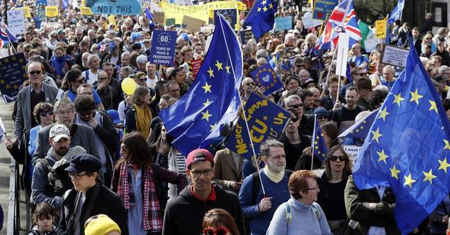 Tens of thousands in London protest Britain's EU departure