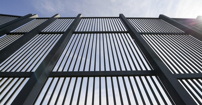 Q&A: Who'd gain from a Trump border wall? Hint: Not Mexico