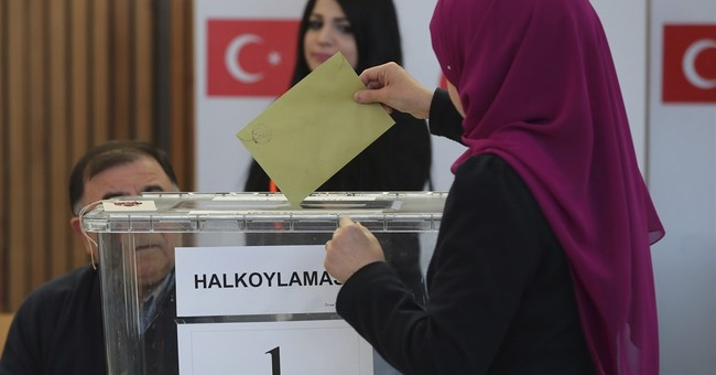 Expat Turks begin voting in referendum on president's powers