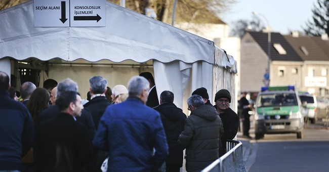Turks in Germany sharply divided over Turkey's referendum