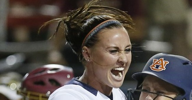 Florida coach apologizes to Auburn player after shove