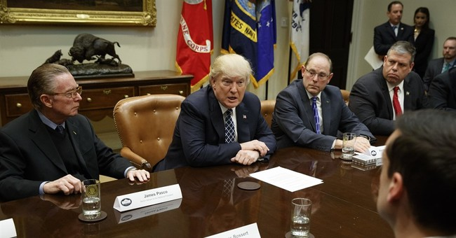 Trump welcomes police union leaders to White House