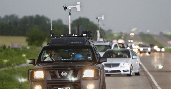 3 Texas deaths underscore the dangers of storm chasing