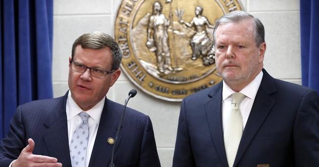 NC lawmakers, gov reach deal to end 'bathroom bill' standoff