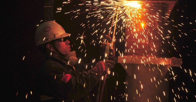 China factory index hits 5-year high as economy gains steam
