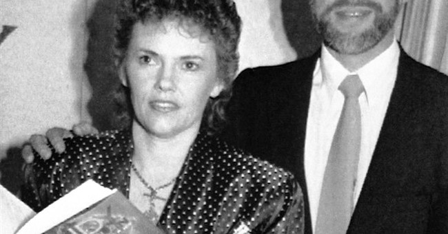 Michael Chamberlain, father of baby killed by dingo, dies