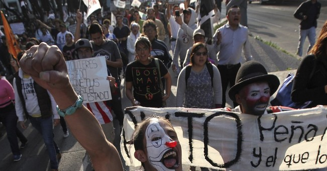 More gas hike protests in Mexico a day after clash at border
