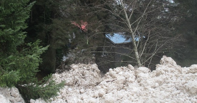 Juneau resident catches avalanche, waterfalls on phone