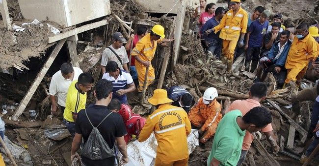 Flood-stricken city in Colombia mourns as death toll climbs