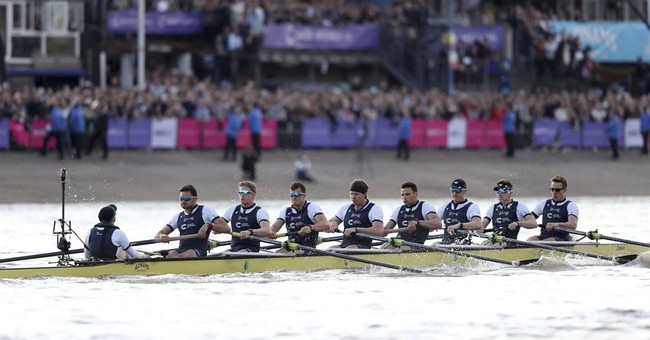 Oxford wins boat race after WWII bomb removed from Thames