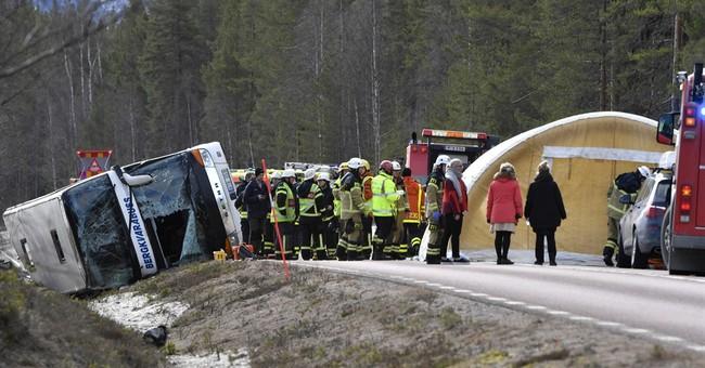 3 dead in crash of bus taking students to Swedish ski resort