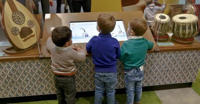 Muslim culture show a hit at Children's Museum of Manhattan