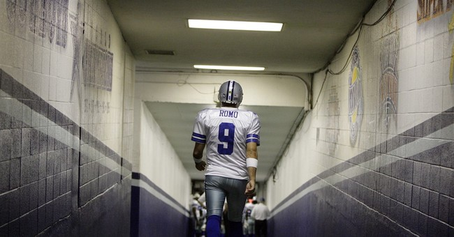 Cowboys QB Tony Romo retiring, replacing Phil Simms at CBS