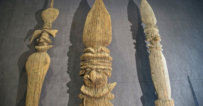 Controversial tribal artifacts sale lures few bidders