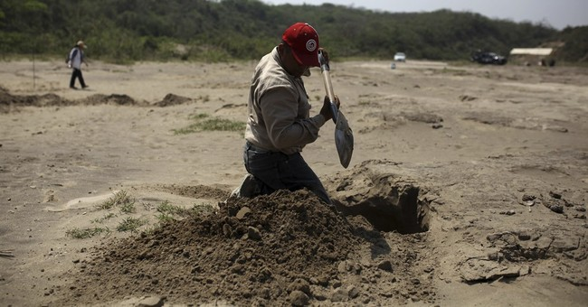 Mexico rights group: no final count of clandestine graves