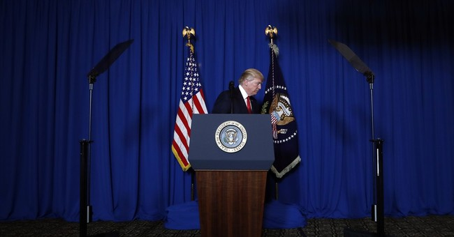 Amid clashes, White House says no looming staff shake-up