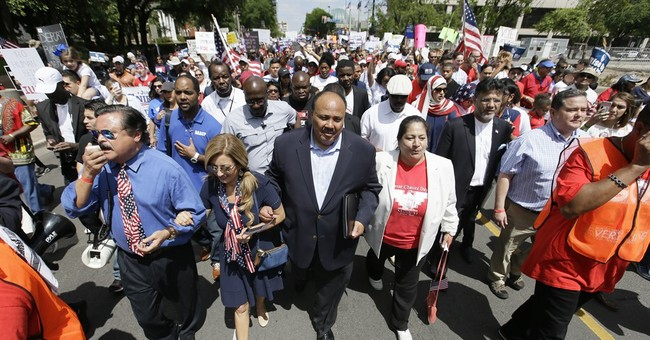 Thousands march for immigrant rights in Dallas