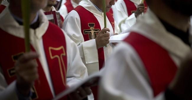Worshippers throng to Jerusalem for Palm Sunday