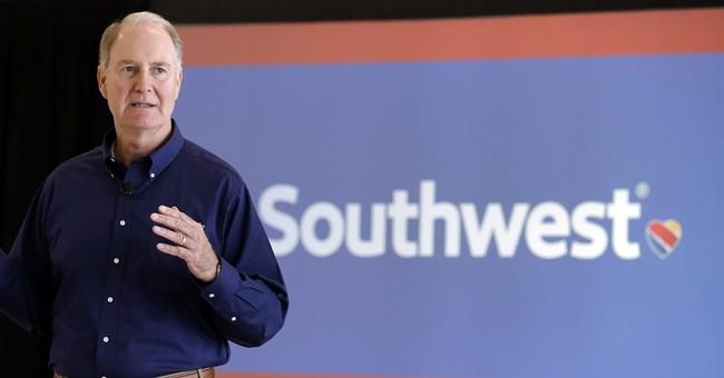 'Lying, Lying, Lying': Tucker Carlson Blasts Southwest CEO's Excuse for Vax Mandate