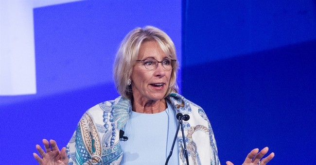 DeVos, Omarosa Mocked and Booed Mercilessly at Commencement Ceremony