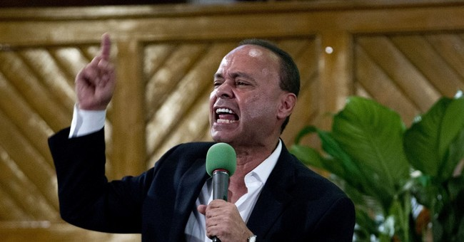 The Moment Dem Rep Luis Gutierrez Stormed Out of Trump's Speech