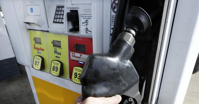 Average US Gas Price Drops a Penny Amid Plentiful Supplies